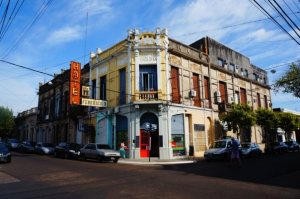 Located only 3 blocks from the cathedral at the center of the city, you will find the charming little Hotel Federico I.